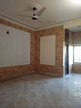 G-13/4 very nice ground portion 3 beds 40x80 good location