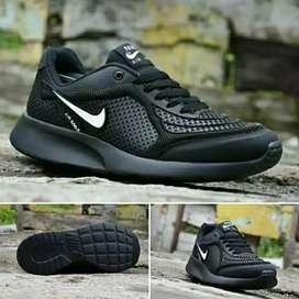 Sepatu Pria Nike Full Black - Size : 39 - 43