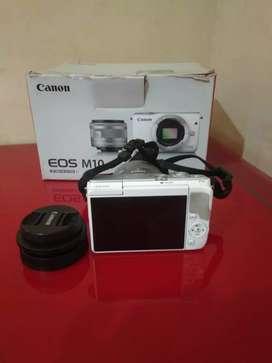 Kamera Canon Eos M10  (Unit, Charger, Dus)lensa 15-45mm