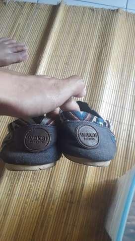 Jual sepatu wakai