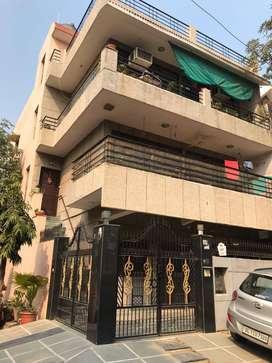 B Block sector 27 ground floor corner plot for rent