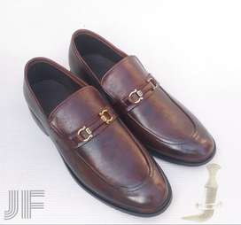 JF Buckle Loafer Shaded Leather Shoes (Men Made)