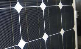 Sunlife solar panels 300 watts (Best condition)