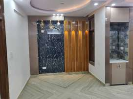 3 bhk top floor with lift, car parking ,roof right