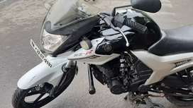 Excellent condition YAMAHA SZ R...