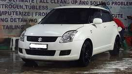 Suzuki Swift tahun 2010 matic 100 Jt Nego