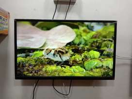 Brand new smart Android led tv sky+ brand - 1 year warrnty