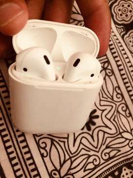 Apple Airpods 1 (read ad)