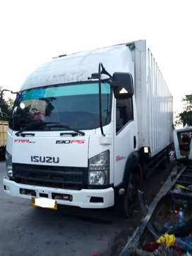 isuzu Giga box 190ps th2014 siap pake