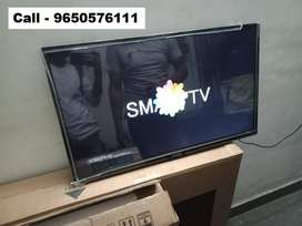 40 inch smart LED TV // Brand new // Miracast through Phone featured