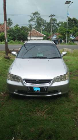 Jual sedan  Honda Accord Abu - Abu muda