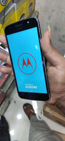 Moto g5s 4gb 32gb good condition mobile only