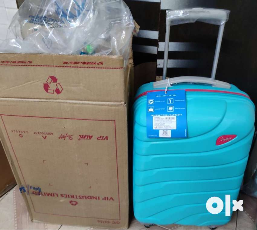 Price 7200 skybag luggage suitcase brand new 0