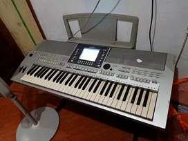Yamaha psr s710