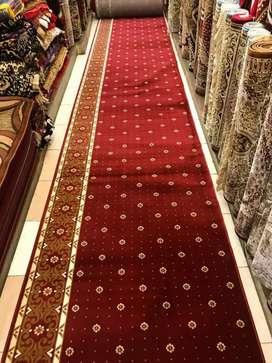 Ada karpet masjid motif modern pasang Indramayu
