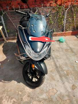 Burgman street 125 2020 bs6 with extended warranty brand new condition
