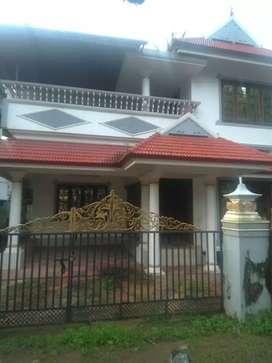 5 cent 2200 sqft 4 bhk posh house at kalamassery near cussatt