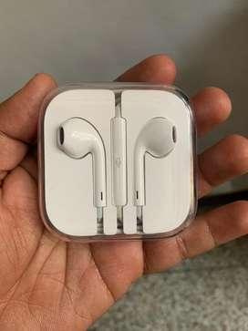 Apple origianl earpods 3.5 mm jack Brand New For Sale