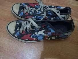 Dijual sepatu Vans ori keren UK 39