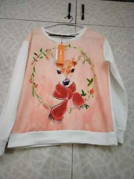 New sweatshirt medium size