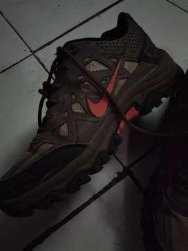 Di jual sepatu nike.Negoo