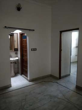 3bhk available for rent for vegetarian family