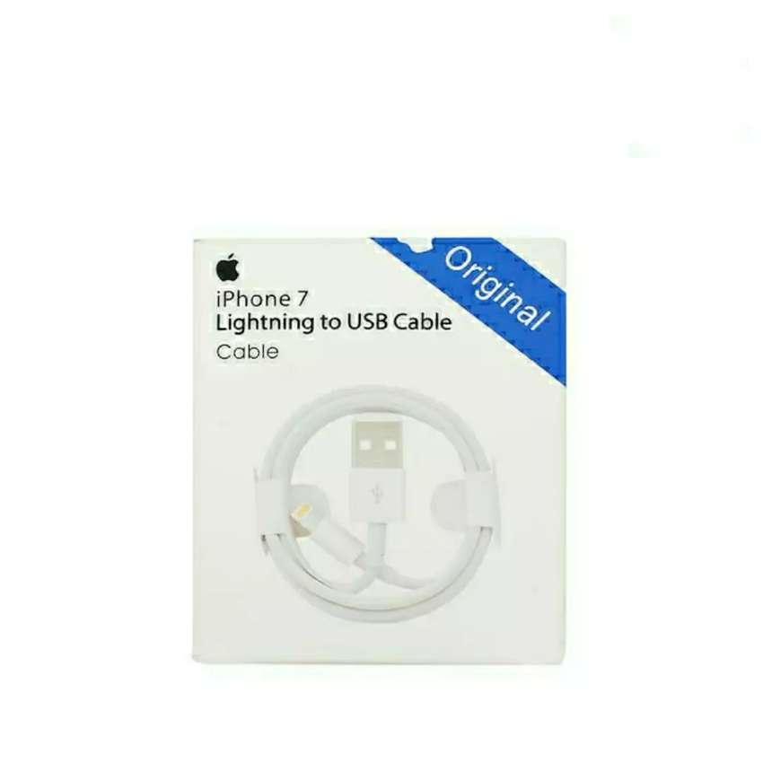 Kabel Data Original Lightining iPhone 5/5s/5c/5SE Jaminan Garansi 0