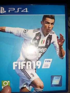 Dijual game ps4 fifa 2019 mulus banget