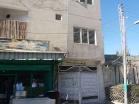 commercial flat 4 rooms, 4 baths,1kitchen,,tv lounch
