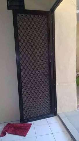 Pintu KASSA dan TRALIS jendela