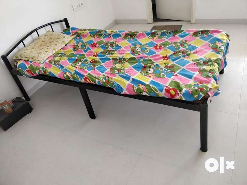 Single Bed 3x6 ft 0