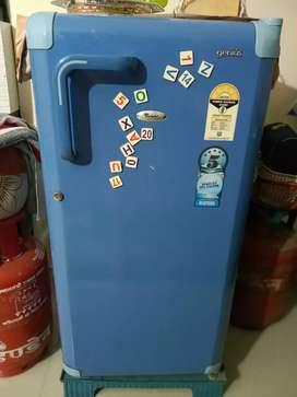 Whirlpool refrigerator 169 lit