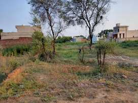 Land in officer colony block D1