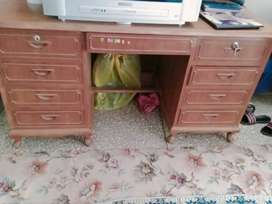 Wooden barmatic dressing table