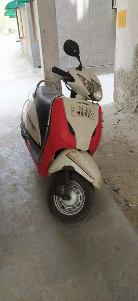 Activa nice condition with some scarechs 2014 made