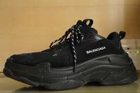 Triple S Full Black Shoe