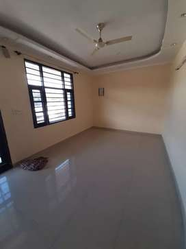 450 gaz house 60/120 on 30 ft road vijay park wadia ballupur road