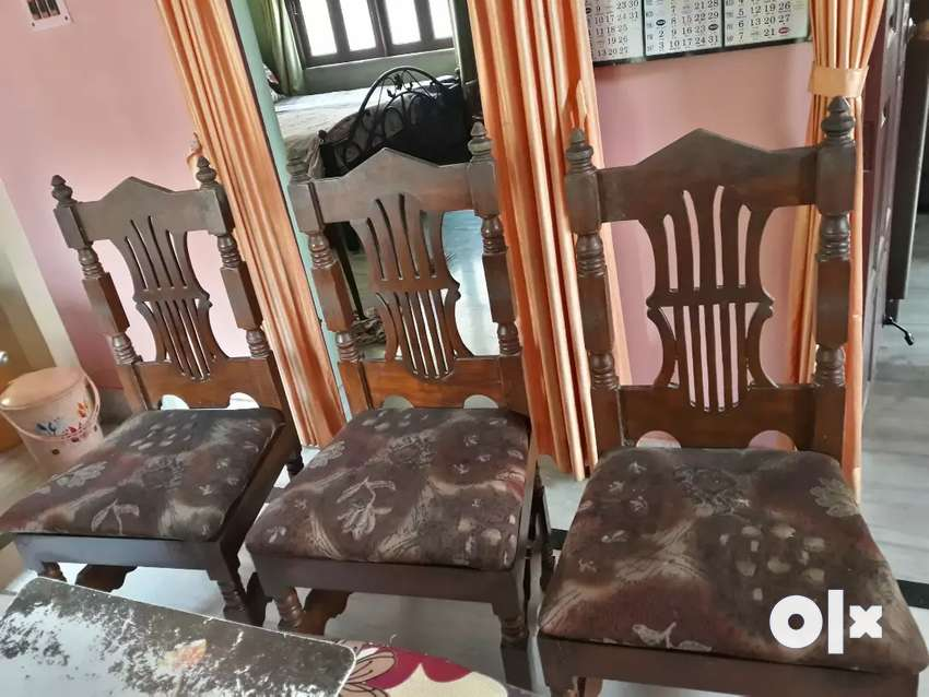 4 acacia wood dining chairs 0