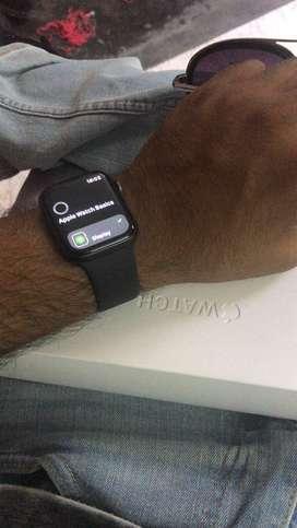 Apple watch series 4 gps 44 mm in warranty