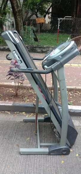 Tredmill walking machine
