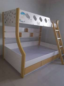 Bunk bed-less used