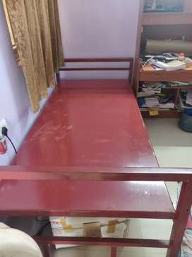 Metal bed with rust proof paint