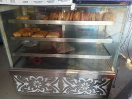 Samosa counter in best condition contact no..