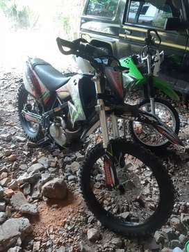 Klx S upgrade L, shock dpn dtracker ori, ban maxxis tebal. Gaspool