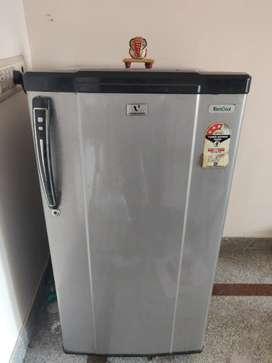 Selling Videocon Single Door refrigerator 185L