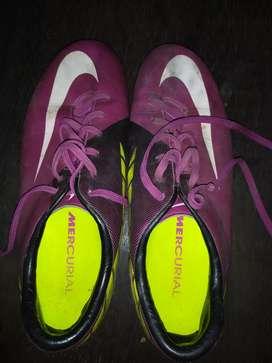 Men football shoe