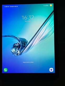Samsung galaxy tab S2 cellular 32 gb eith original belkin cover