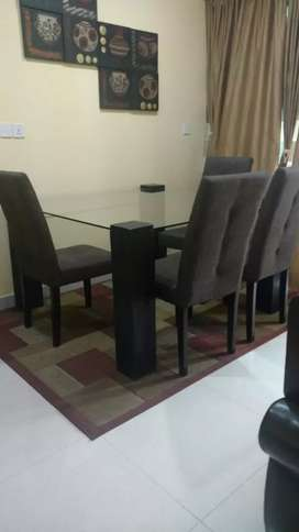 4 chair dining table with glass top