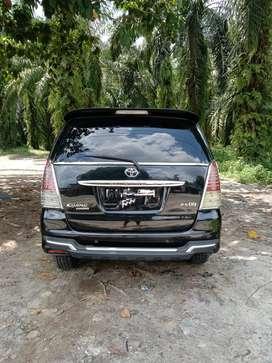 Dijual kijang innova diesel 2010
