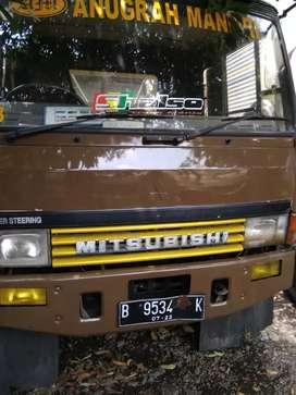 Truk Mitsubishi Fuso 6 ban 97 wingbox 8,5m bagus terawat siap kerja